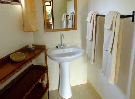 bougainvillea-bathroom-sink