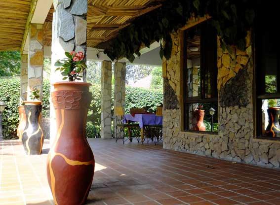 bougainvillea-veranda