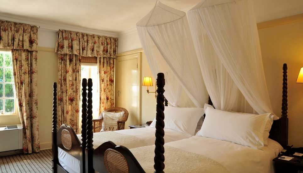 Victoria-fall-hotel room