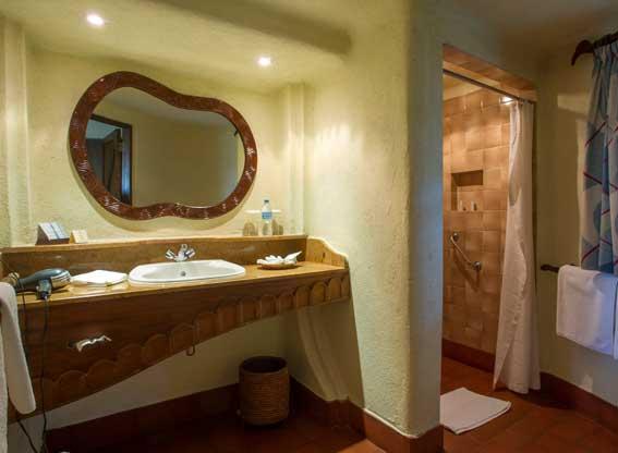 Manyara-serena-bathroom