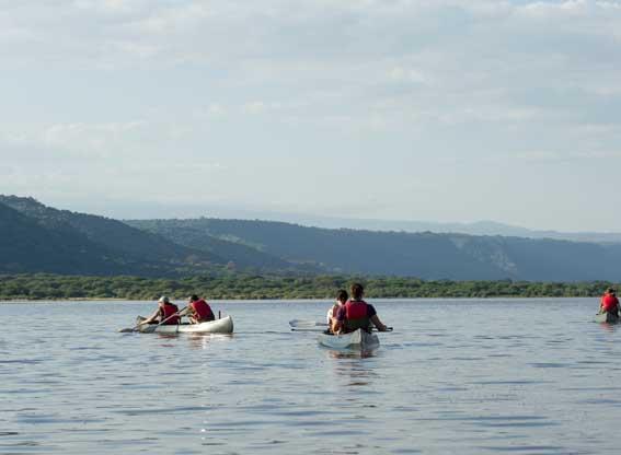 Manyara-serena-canoeing