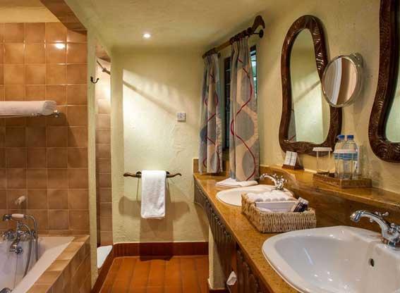 Manyara-serena-suite-bathro