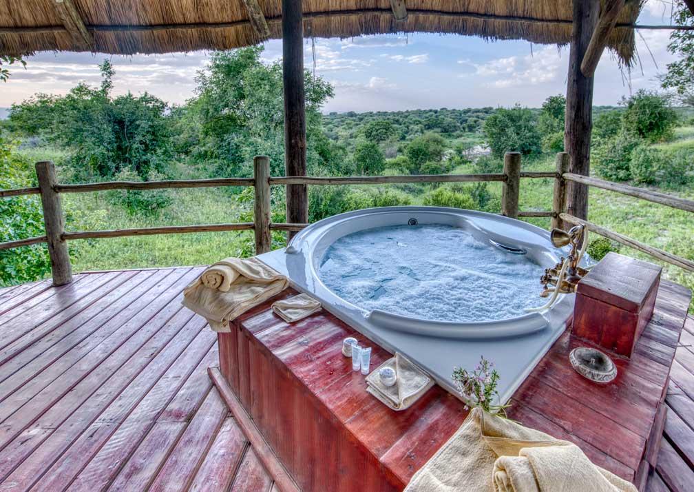 Luxury safari tent outdoor bath