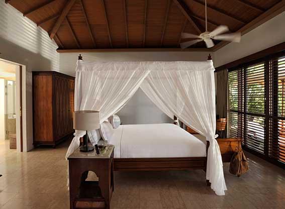 luxury-garden-pool-villa