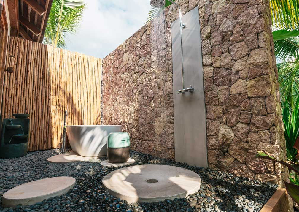 Villa outdoor bathroom