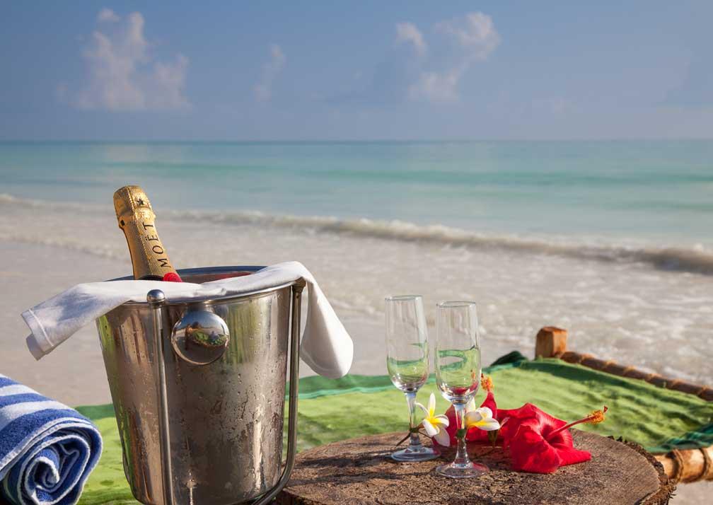 Kisiwa on the Beach champagne