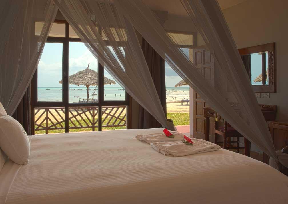 Queen room with ocean view