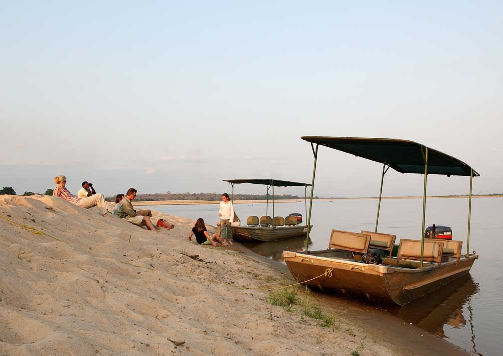 sand rivers boats