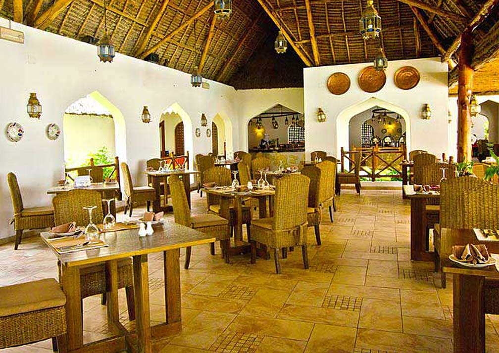 Sultan Sands dining room